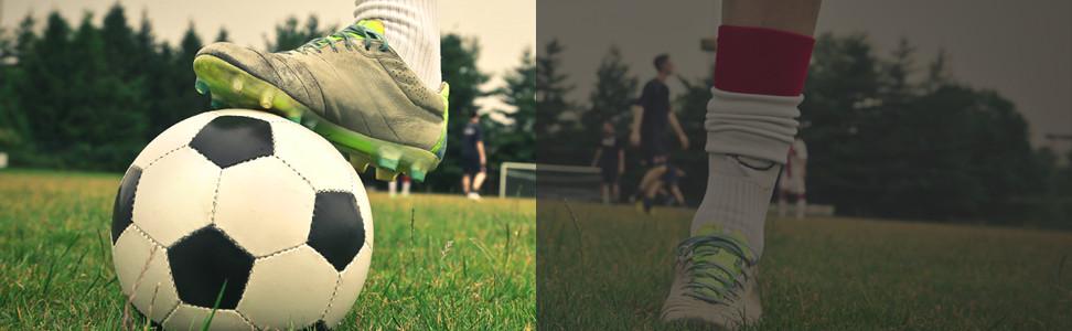 een pupil van de voetbal school van joshua agteres die de bal onder de voet houdt